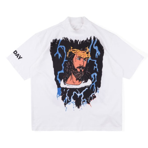Jesus is King Lightning Printig TEE (807)