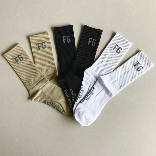 FOG 3Color Letter Long Socks (1339)